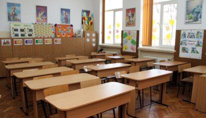 100 millió eurós kölcsönt vesz fel iskolafelújításra Románia