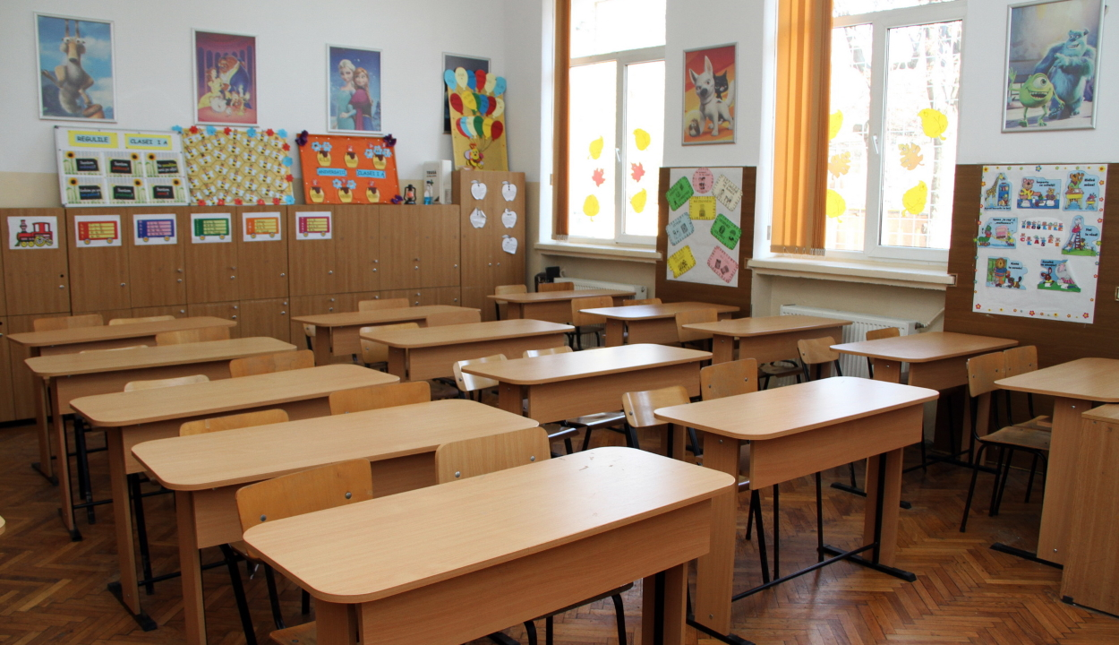 Az ortodox húsvét utánig zárva maradhatnak az iskolák