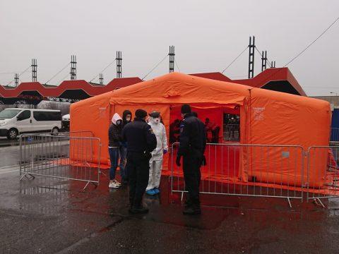 Már húsznál is több járványtani szűrésre alkalmas sátrat állított fel a védelmi minisztérium