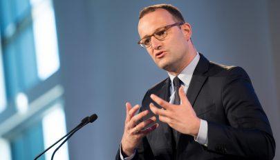 Német egészségügyi miniszter: a határok lezárása nem állítja meg a vírust