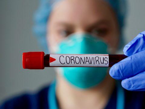 524-re emelkedett a koronavírus okozta halálesetek száma