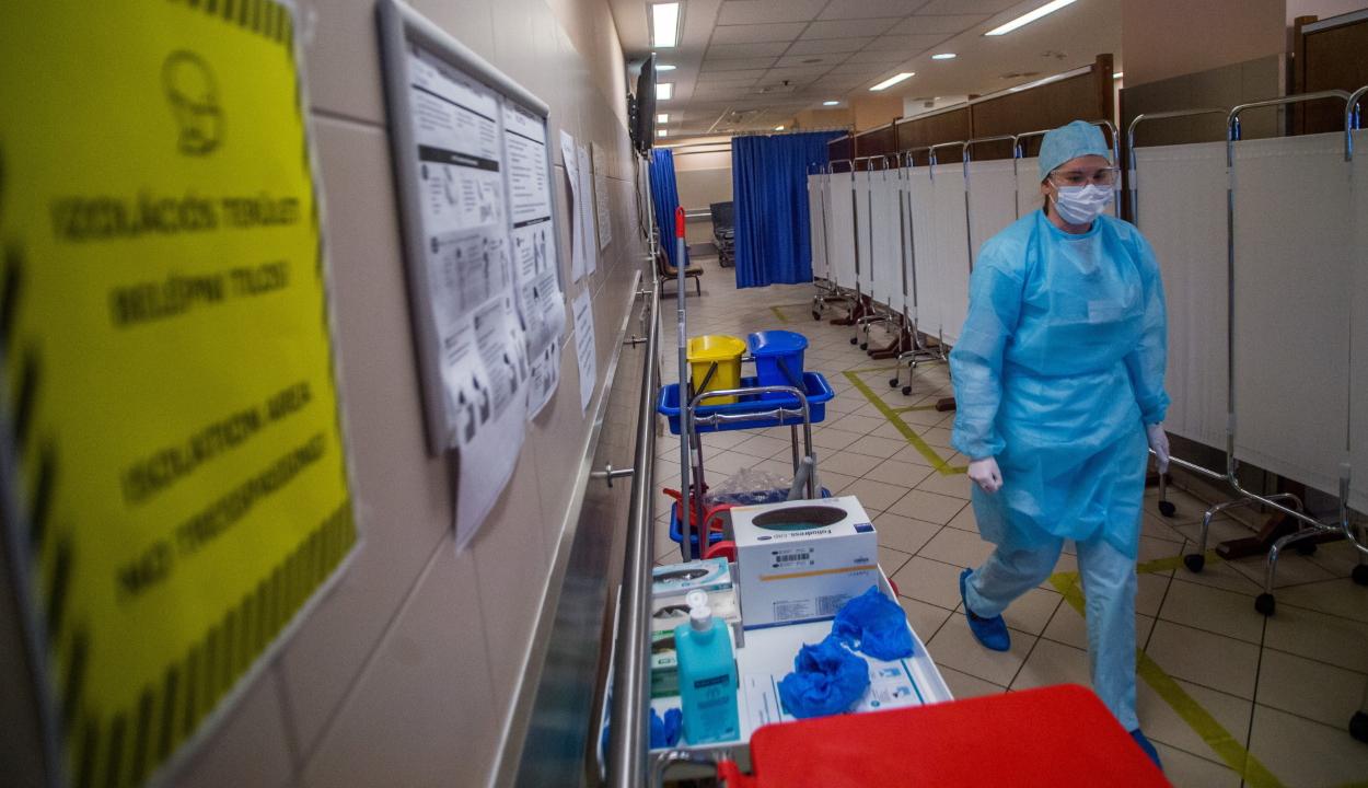 Ezer fölé emelkedett a fertőzöttek száma Magyarországon