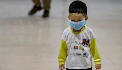 Kétéves kor alatt nem ajánlják a maszkviselést japán orvosok