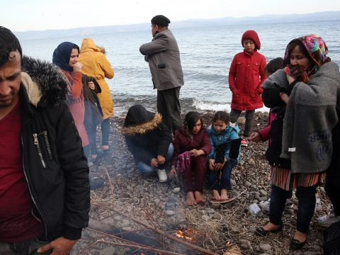 Már 13 ezer ember torlódott össze a görög-török határon
