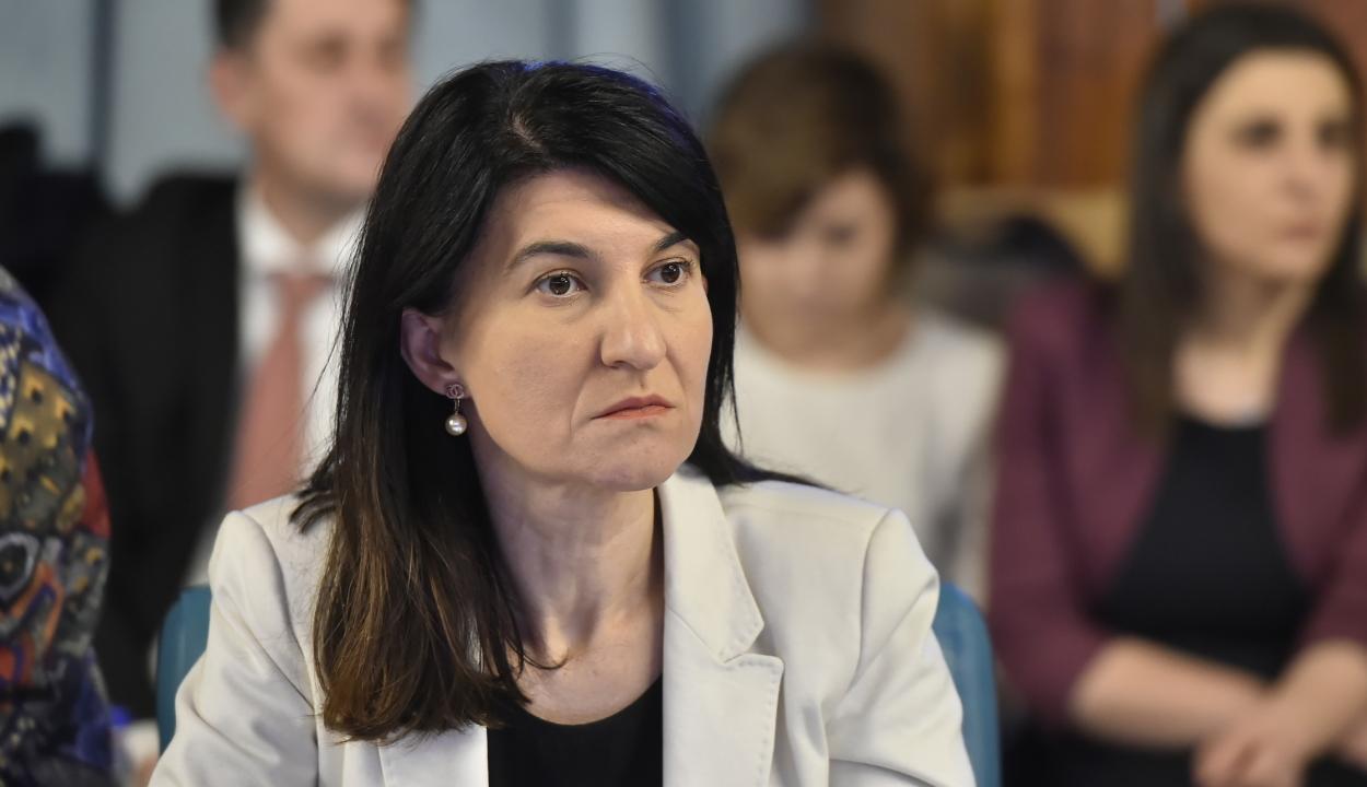 Munkaügyi miniszter: nem jó, hogy az állam dönti el, milyen mesterségekre készíti fel az embereket