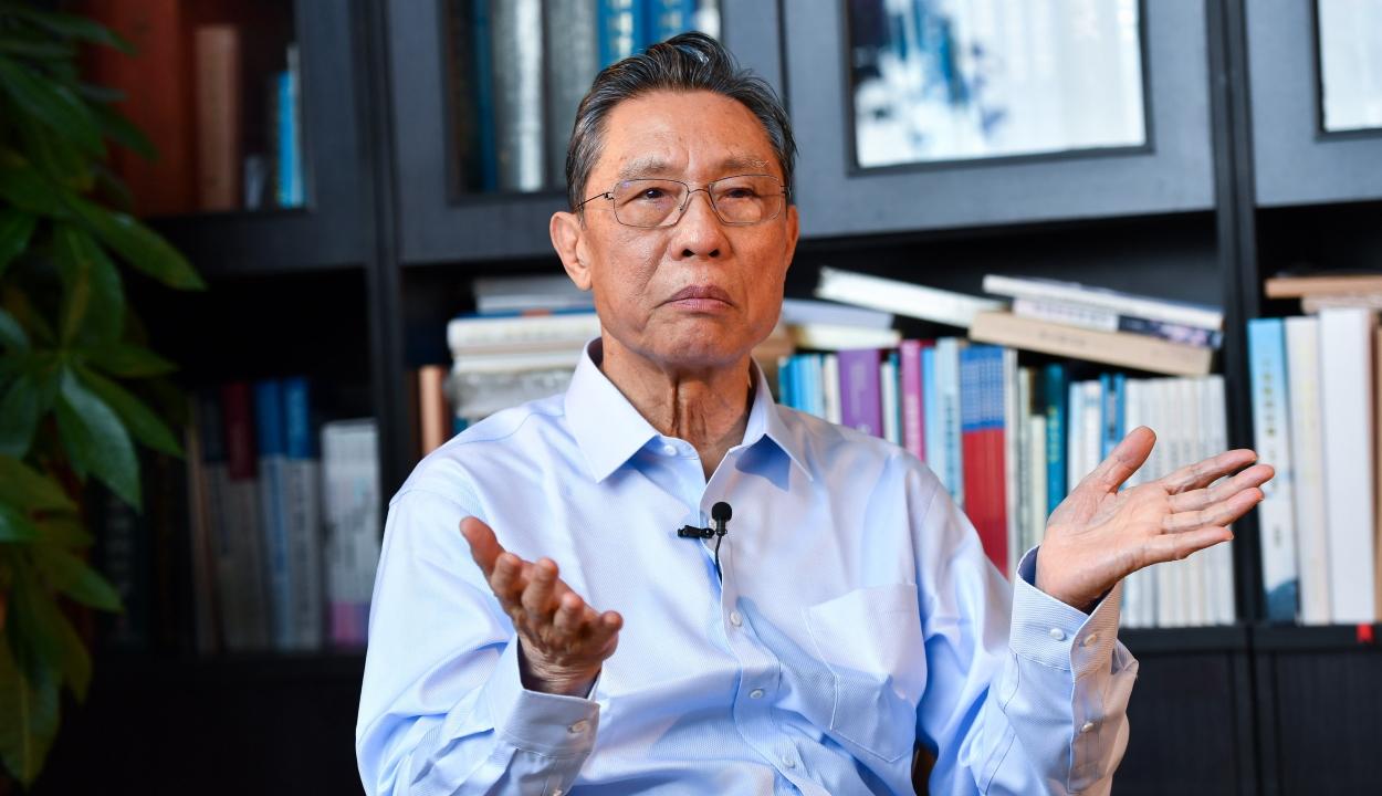 Kínai szakértő: legalább júniusig tarthat a járvány