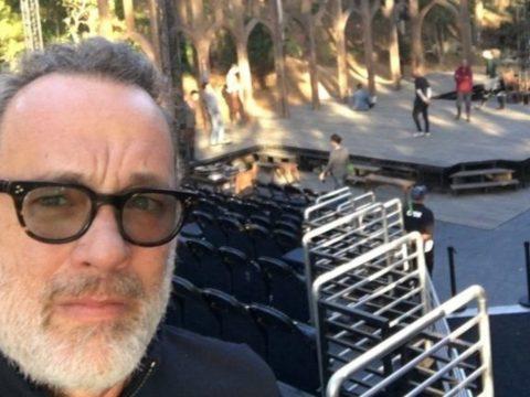 Tom Hanks felgyógyult a koronavírusból, újra jófejkedik