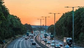 210 km/h sebességgel száguldott egy sofőr, a rendőröknek azt mondta, a koronavírus elől menekül