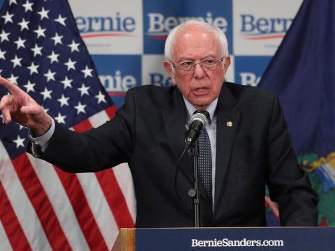 Sanders felfüggesztette kampányát az elnökjelöltségért