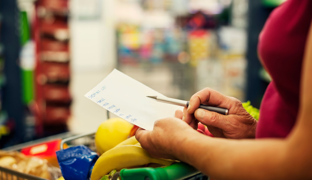 Dietetikus: ajánlott bevásárlólistát készíteni