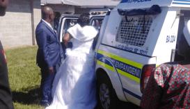 Letartóztatták a menyasszonyt és a vőlegényt, az egész násznéppel együtt