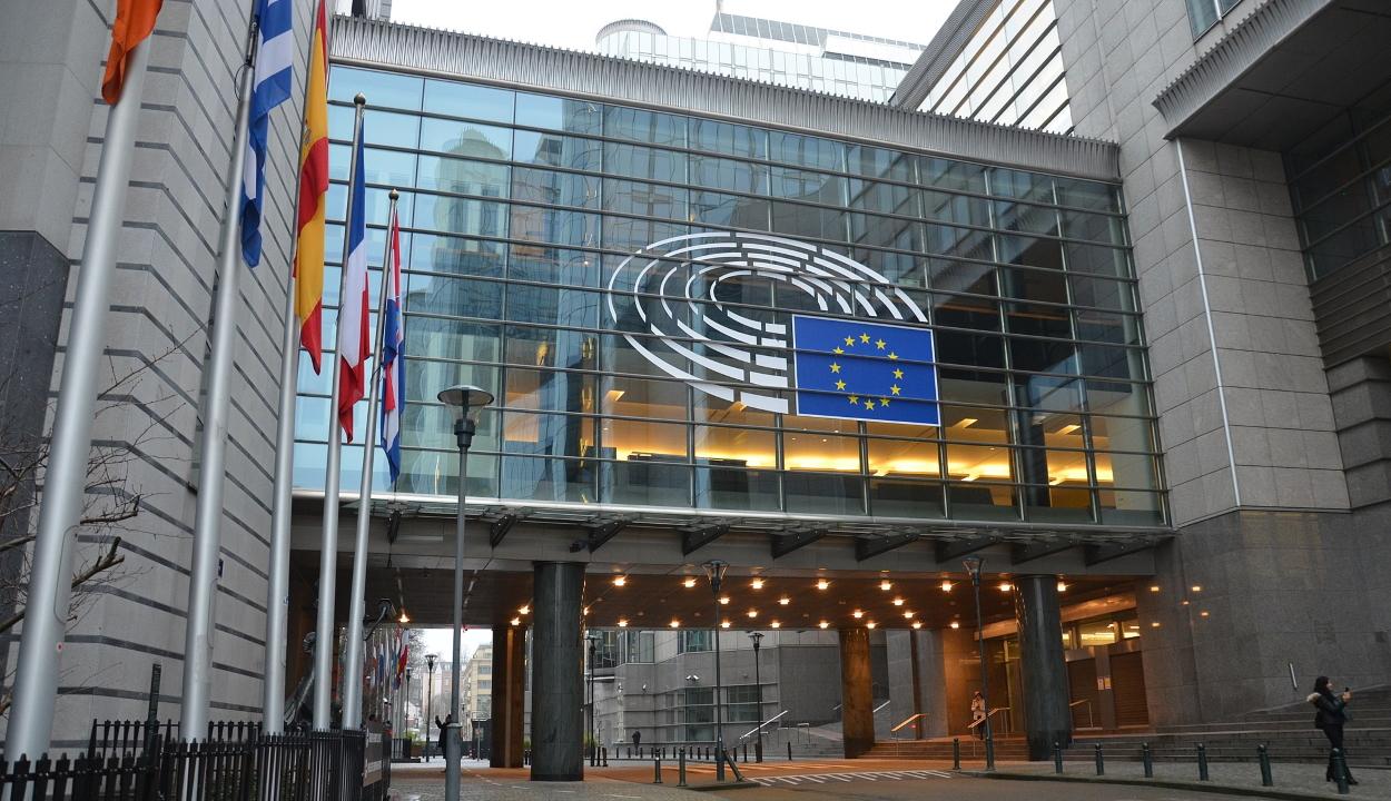 Szállást és ételt biztosítanak a rászorulóknak az Európai Parlament épületében