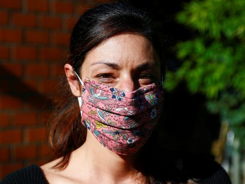 Videó: hogyan készíts maszkot otthon?