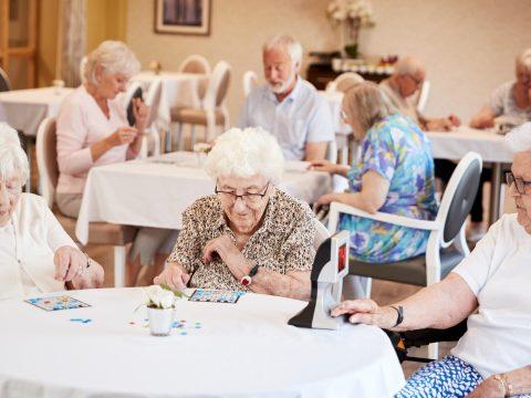 WHO: Európában a halálos áldozatok mintegy felét idősotthonokban regisztrálták