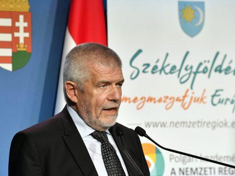 Izsák Balázs: csütörtök éjfélig az interneten is összegyűlhet az egymillió aláírás a nemzeti régiókért