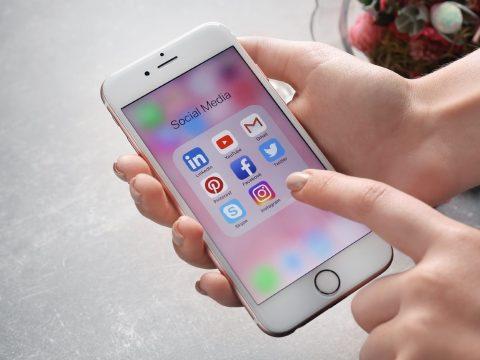 A közösségi média megkezdte a harcot az álhírekkel szemben