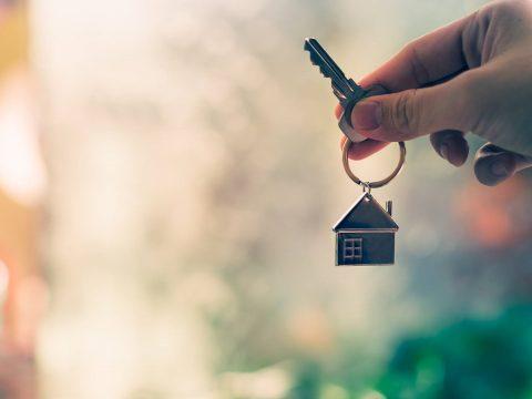 Adókedvezménnyel bátorítanák a lakbérek csökkentését