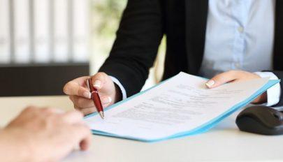 Harmadik hete folyamatosan nő a felbontott munkaszerződések száma