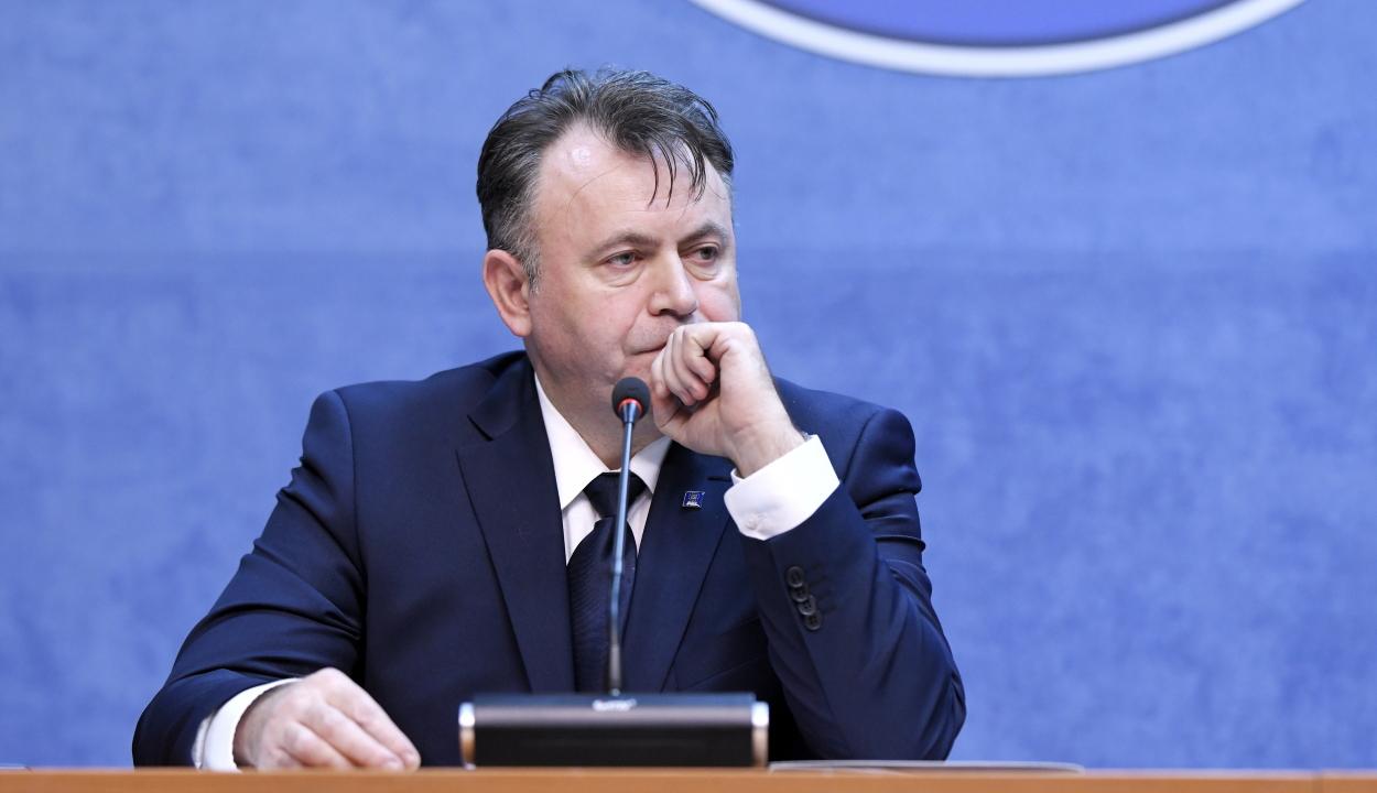 Egyszerű indítványt nyújtott be a PSD az egészségügyi miniszter ellen