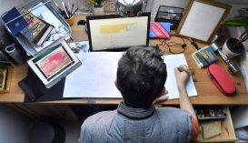 Az ország 305 oktatási intézményében online zajlik a tanítás