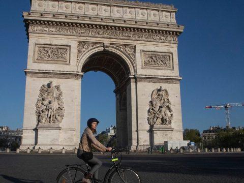 Senkinek sem adta tovább a koronavírust egy fertőzött francia kisfiú