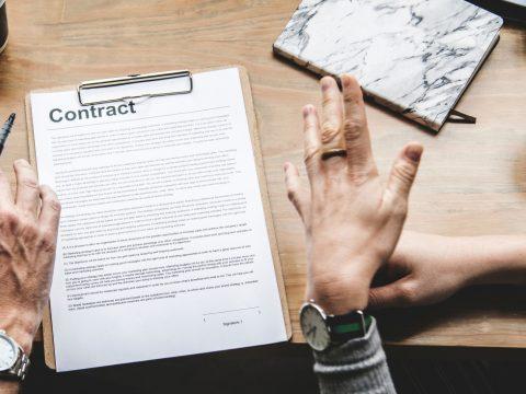 Több mint egymillió munkaszerződést függesztettek fel a szükségállapot kezdete óta