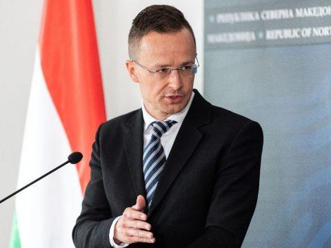 Szijjártó: már nyolc átkelőt használhatnak a magyar-román határon az ingázók