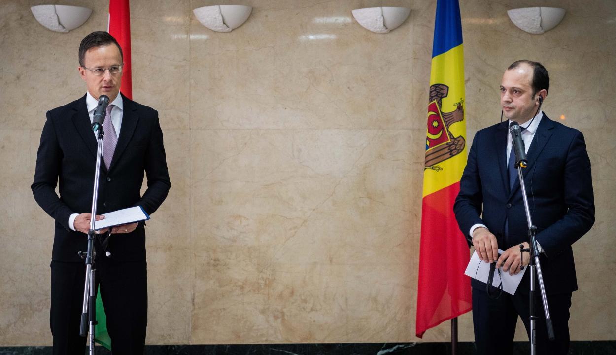 Védőfelszereléseket küldött Magyarország Moldovába
