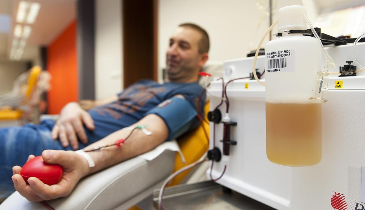 Elkezdődött a koronavírus-fertőzöttek kezelésében használható vérplazma gyűjtése
