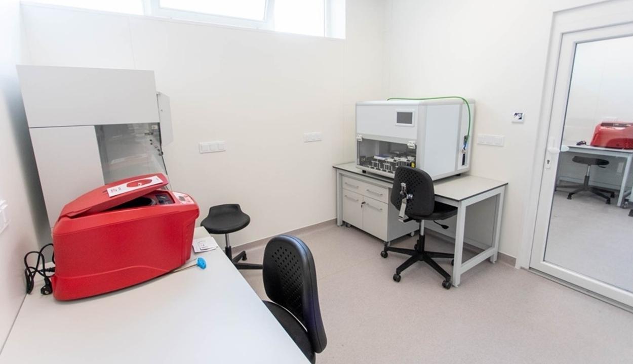 Használatban a PCR-tesztlaboratórium