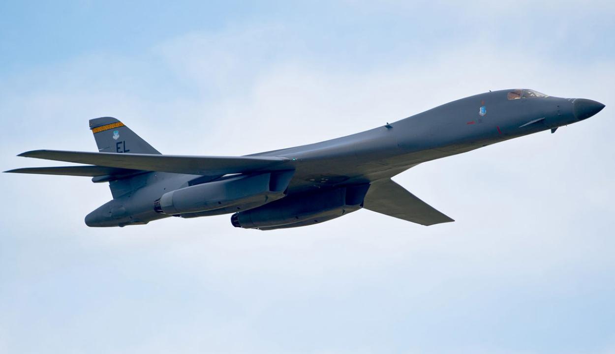 Közös gyakorlatot tartott a román és az amerikai légierő