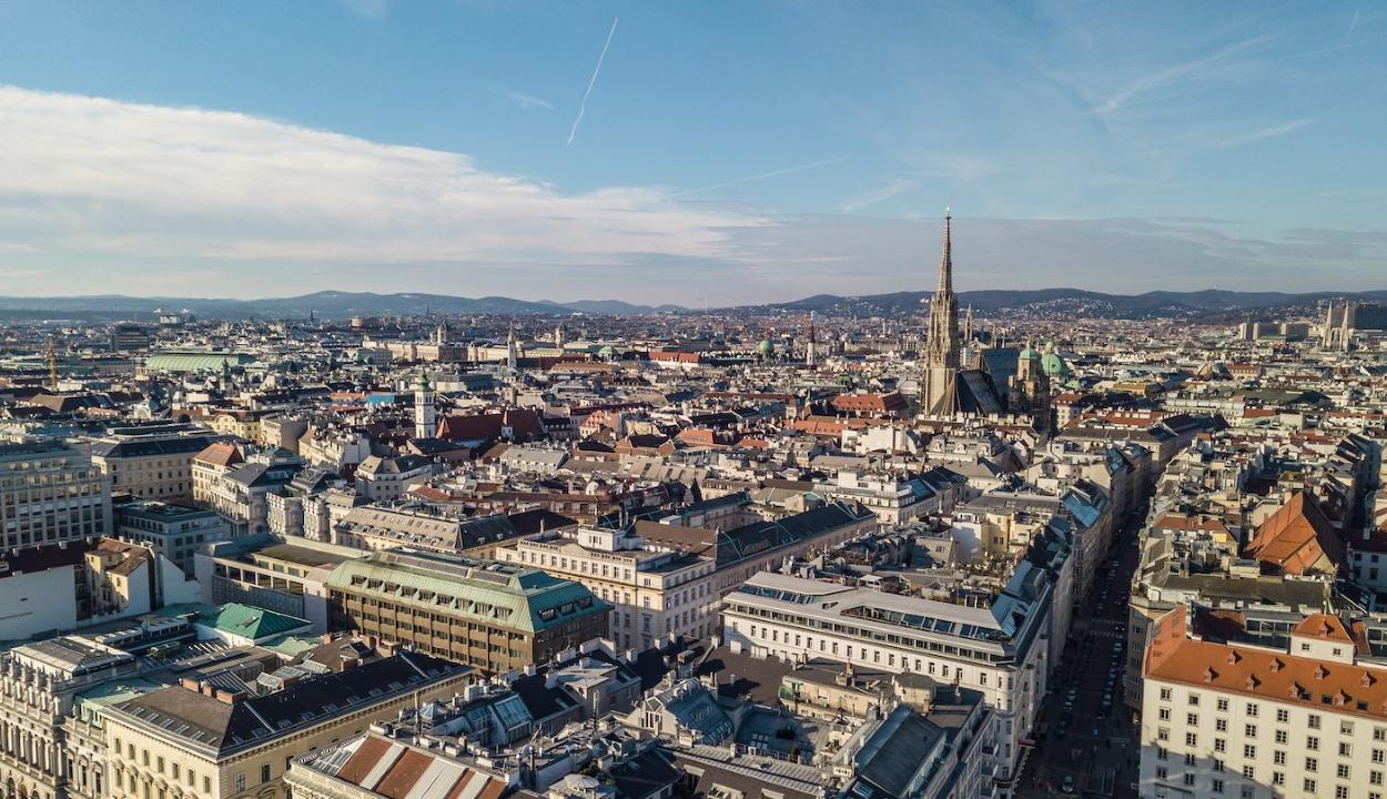 FRISSÍTVE: Ausztria is korlátozza a román állampolgárok beutazását