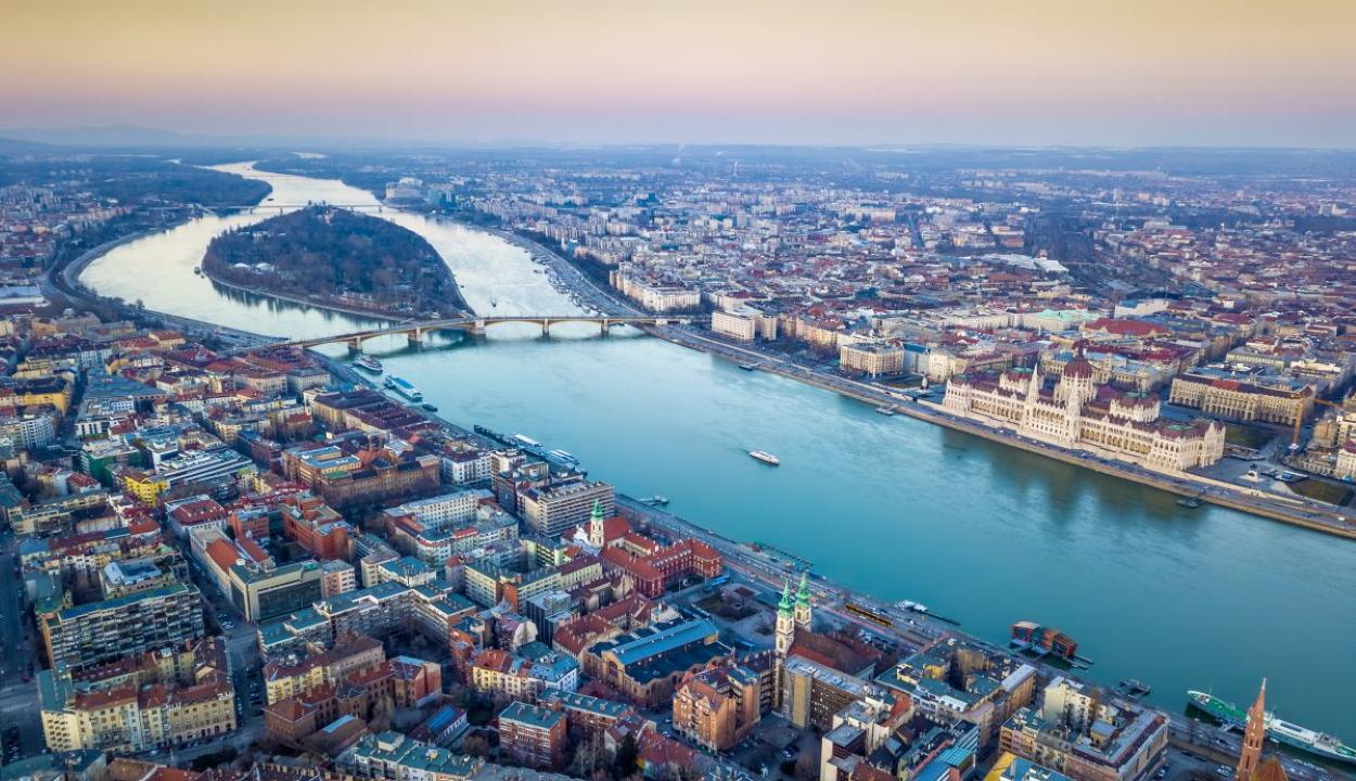 Egy percre le fog állni Budapest a trianoni döntés évfordulóján
