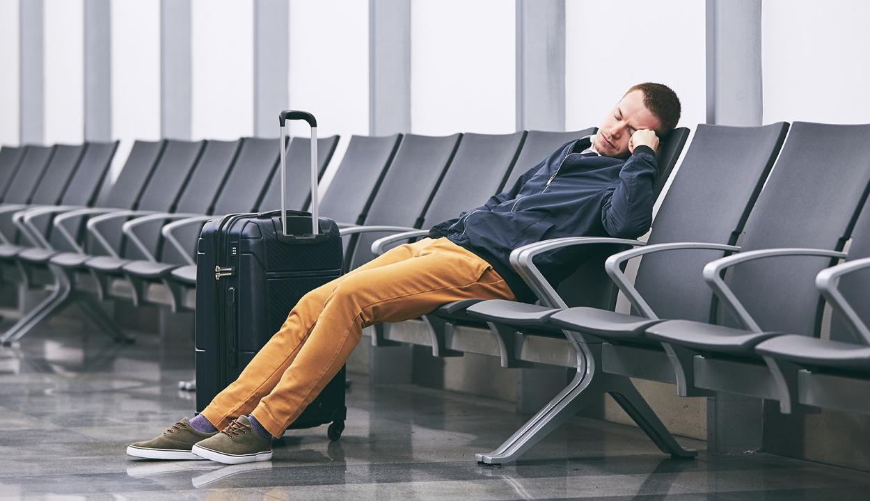 110 napja a reptéren dekkol a járvány miatt egy férfi