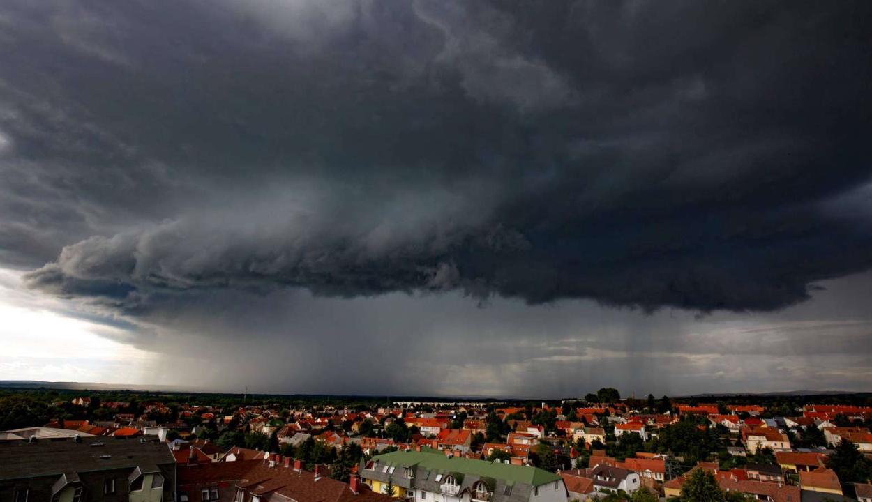 Rossz időre, viharokra figyelmeztet az Országos Meteorológiai Szolgálat