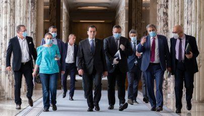 Források: vita a kormányban a maszkok viselésére vonatkozó szabályok miatt