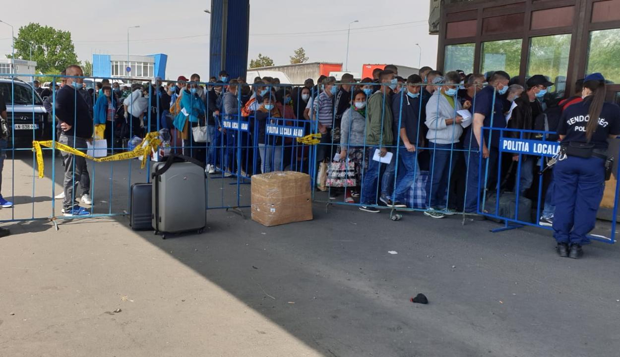FRISSÍTVE: Második napja tart a torlódás a magyar-román határon