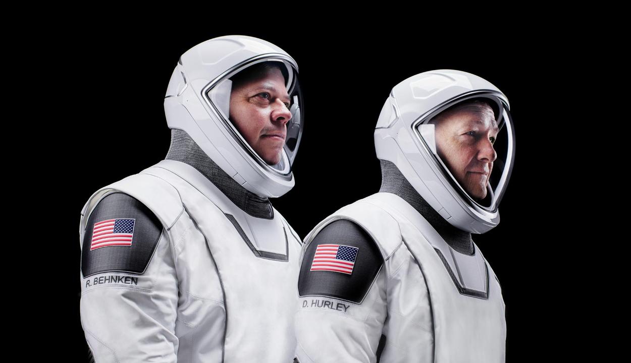 Készen áll az első, emberes missziójára a SpaceX űrhajója
