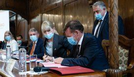 Aláírták az észak-erdélyi autópálya Marosvásárhely melletti szakaszának a megépítési szerződését