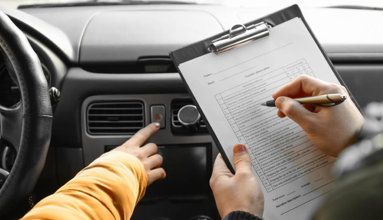 Sofőrvizsga: egy hónapra csökkent a várakozási idő