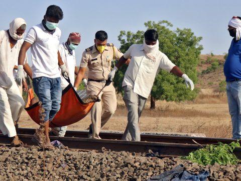 Síneken alvó vendégmunkásokat gázolt halálra egy tehervonat Indiában