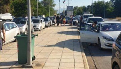 FRISSÍTVE: Több száz romániai várakozik a görög határon