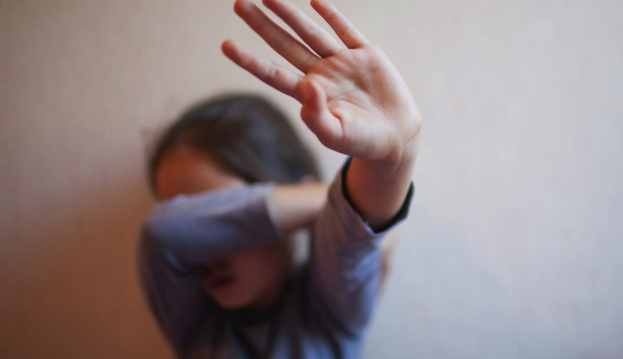 Több mint 3600, gyermekek ellen elkövetett bűncselekményt regisztráltak az első negyedévben