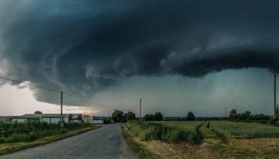 Elsőfokú viharriasztás Kovászna megyére