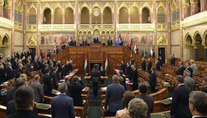 Magyarországon elfogadták a veszélyhelyzet megszüntetéséről szóló törvényt