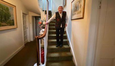 A tervezett összeg többszörösét gyűjtötte össze az egészségügy számára egy 90 éves skót mozgáskorlátozott
