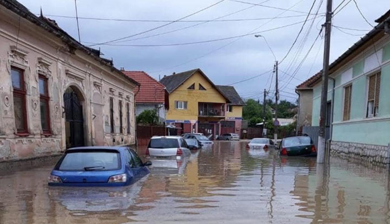 Elöntötte az árvíz Nagyenyedet