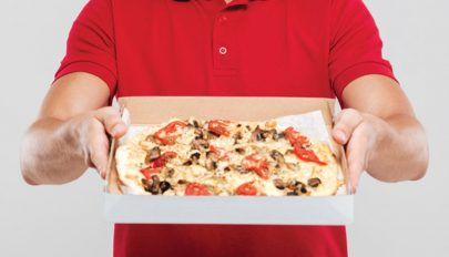 Tíz éve pizzával zaklatnak egy belga férfit