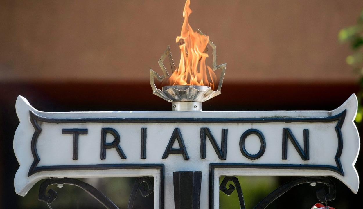 Erdély-szerte megkondultak a harangok a magyar egyházak templomaiban