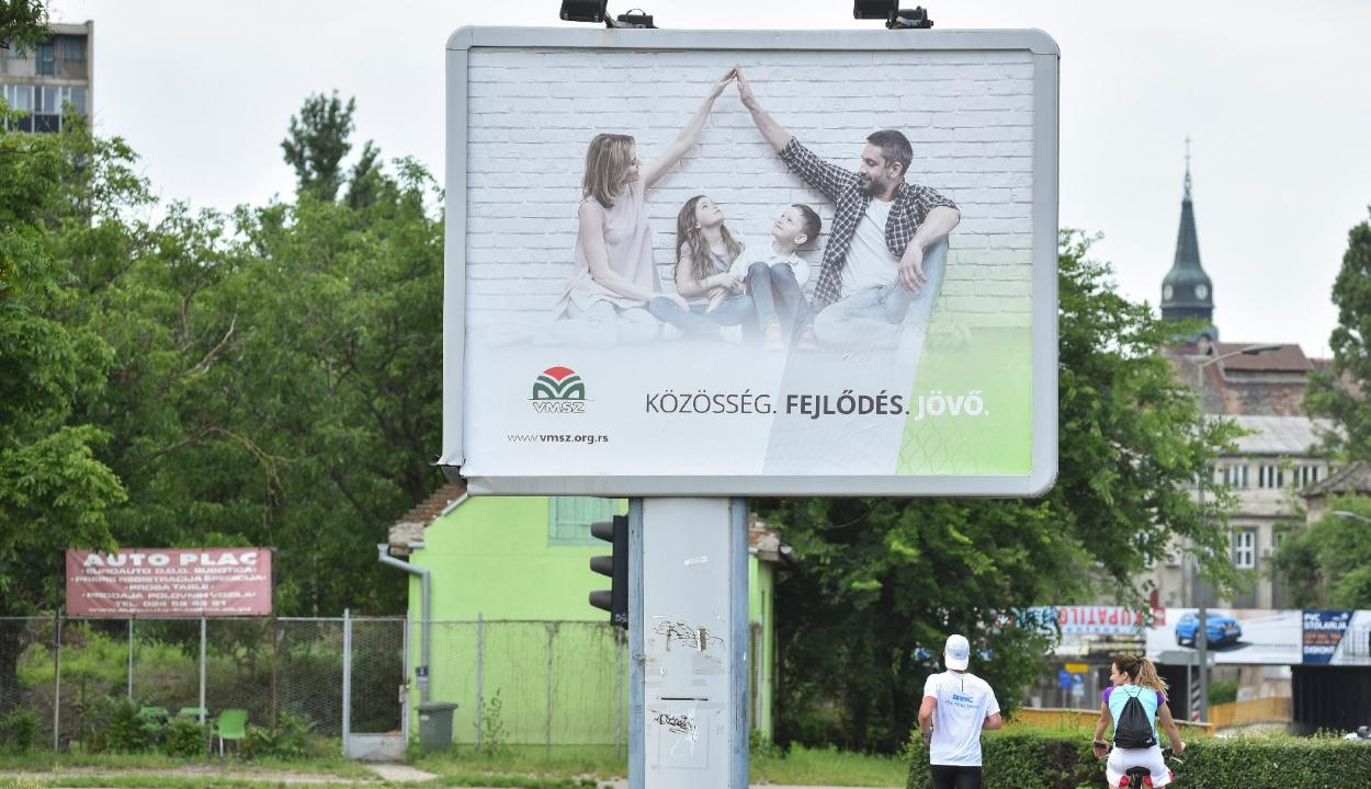 Szerbiai választások: történelmi eredményt ért el a Vajdasági Magyar Szövetség